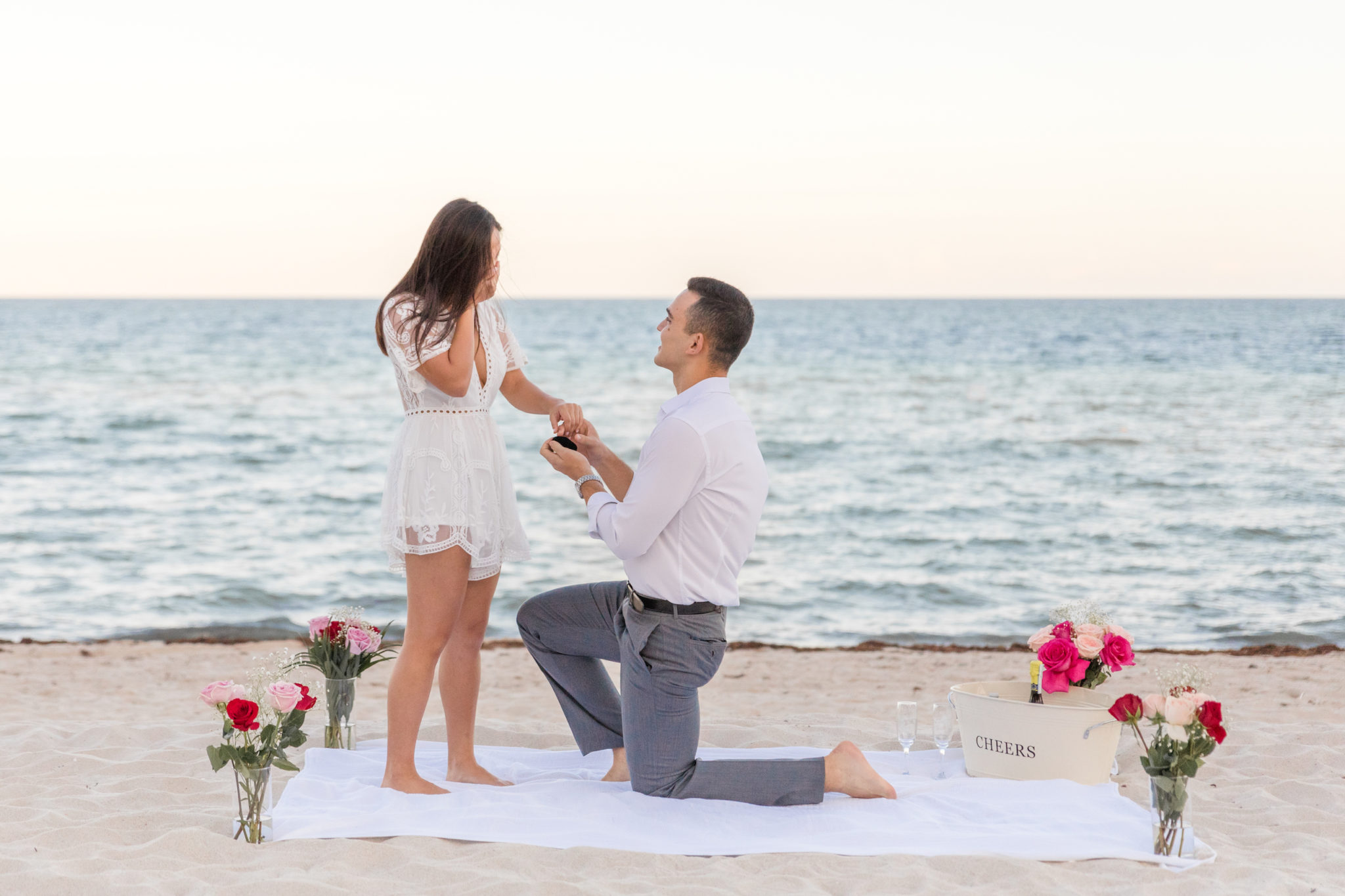 Do You Know Why A Man Proposes On One Knee Down?